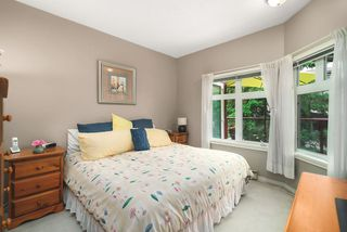 """Photo 3: 506 2800 CHESTERFIELD Avenue in North Vancouver: Upper Lonsdale Condo for sale in """"Somerset Garden"""" : MLS®# R2472780"""