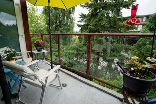 """Photo 15: 506 2800 CHESTERFIELD Avenue in North Vancouver: Upper Lonsdale Condo for sale in """"Somerset Garden"""" : MLS®# R2472780"""