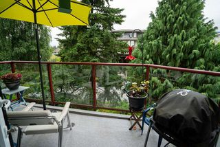"""Photo 10: 506 2800 CHESTERFIELD Avenue in North Vancouver: Upper Lonsdale Condo for sale in """"Somerset Garden"""" : MLS®# R2472780"""