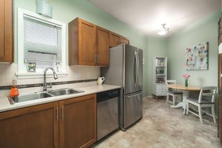 """Photo 12: 506 2800 CHESTERFIELD Avenue in North Vancouver: Upper Lonsdale Condo for sale in """"Somerset Garden"""" : MLS®# R2472780"""