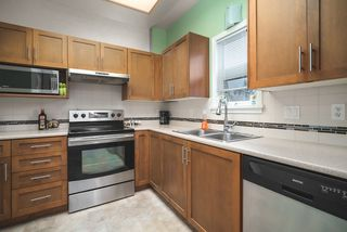 """Photo 4: 506 2800 CHESTERFIELD Avenue in North Vancouver: Upper Lonsdale Condo for sale in """"Somerset Garden"""" : MLS®# R2472780"""
