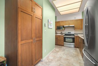 """Photo 14: 506 2800 CHESTERFIELD Avenue in North Vancouver: Upper Lonsdale Condo for sale in """"Somerset Garden"""" : MLS®# R2472780"""