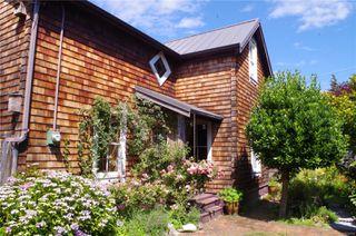 Main Photo: 1324 Pembroke St in : Vi Fernwood Single Family Detached for sale (Victoria)  : MLS®# 850152