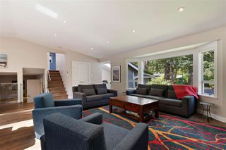 Photo 2: 2535 EDGEMONT BOULEVARD in North Vancouver: Edgemont House for sale : MLS®# R2490375