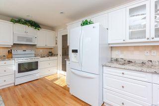 Photo 17: 3 881 Nicholson St in : SE High Quadra Row/Townhouse for sale (Saanich East)  : MLS®# 858702
