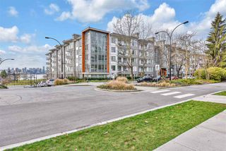 """Main Photo: 220 255 W 1ST Street in North Vancouver: Lower Lonsdale Condo for sale in """"WEST QUAY"""" : MLS®# R2531162"""