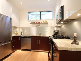 "Photo 2: 854 W 6TH Avenue in Vancouver: Fairview VW Townhouse for sale in ""BOXWOOD GREEN"" (Vancouver West)  : MLS®# V904480"