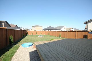 Photo 4: 83 Van Slyk Way in Winnipeg: Single Family Detached for sale (Canterbury Park)  : MLS®# 1319067