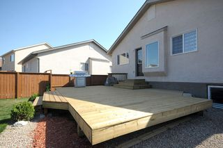 Photo 3: 83 Van Slyk Way in Winnipeg: Single Family Detached for sale (Canterbury Park)  : MLS®# 1319067