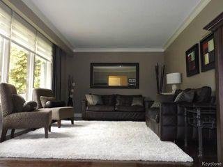 Photo 3: 425 Greenacre Boulevard in WINNIPEG: Westwood / Crestview Residential for sale (West Winnipeg)  : MLS®# 1321784