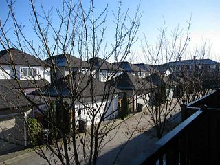 "Photo 12: 21 11060 BARNSTON VIEW Road in Pitt Meadows: South Meadows Townhouse for sale in ""COHO 1"" : MLS®# V1035715"