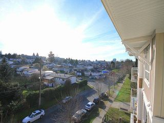 """Photo 11: 416 3551 FOSTER Avenue in Vancouver: Collingwood VE Condo for sale in """"FINALE WEST"""" (Vancouver East)  : MLS®# V1043674"""