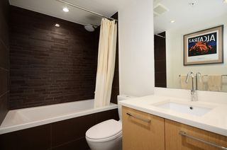 """Photo 10: 207 1680 W 4TH Avenue in Vancouver: False Creek Condo for sale in """"MANTRA"""" (Vancouver West)  : MLS®# V1051197"""