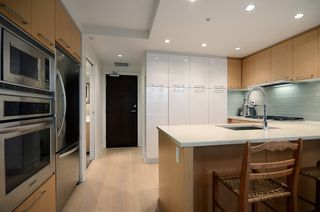 """Photo 5: 207 1680 W 4TH Avenue in Vancouver: False Creek Condo for sale in """"MANTRA"""" (Vancouver West)  : MLS®# V1051197"""