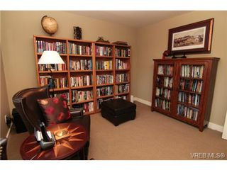 Photo 11: 4007 South Valley Dr in VICTORIA: SW Strawberry Vale House for sale (Saanich West)  : MLS®# 682353
