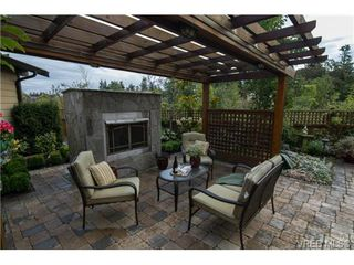 Photo 16: 4007 South Valley Dr in VICTORIA: SW Strawberry Vale House for sale (Saanich West)  : MLS®# 682353