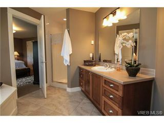 Photo 8: 4007 South Valley Dr in VICTORIA: SW Strawberry Vale House for sale (Saanich West)  : MLS®# 682353
