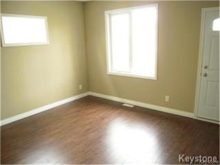 Photo 2: 404 Manitoba Avenue in WINNIPEG: North End Residential for sale (North West Winnipeg)  : MLS®# 1427269