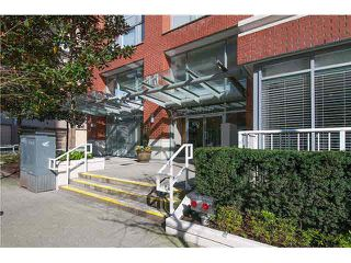 """Photo 2: 605 550 TAYLOR Street in Vancouver: Downtown VW Condo for sale in """"THE TAYLOR"""" (Vancouver West)  : MLS®# V1115432"""