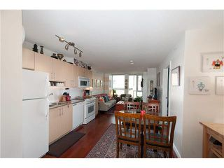 """Photo 4: 605 550 TAYLOR Street in Vancouver: Downtown VW Condo for sale in """"THE TAYLOR"""" (Vancouver West)  : MLS®# V1115432"""