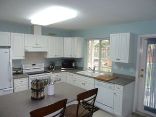 Photo 10: 1418 Regan Avenue in Coquitlam: Home for sale