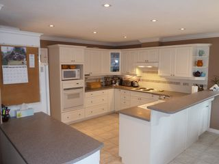 Photo 3: 1418 Regan Avenue in Coquitlam: Home for sale