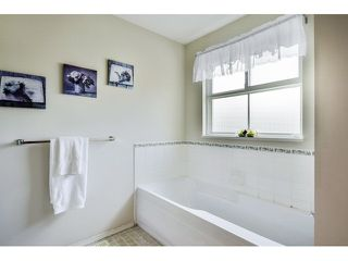 "Photo 14: 4 15875 84 Avenue in Surrey: Fleetwood Tynehead Townhouse for sale in ""ABBEY ROAD"" : MLS®# F1441481"