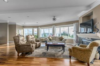 Photo 4: 14428 MALABAR Crescent: White Rock House for sale (South Surrey White Rock)  : MLS®# R2037881