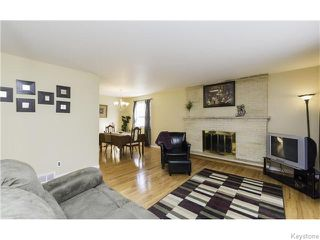 Photo 3: 7 Shakespeare Bay in Winnipeg: Westwood / Crestview Residential for sale (West Winnipeg)  : MLS®# 1606738