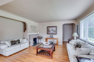 Photo 2: 384 WALKER Street in Coquitlam: Coquitlam West House for sale : MLS®# R2070341