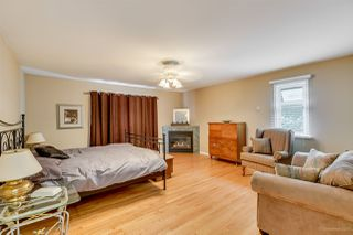 Photo 11: 384 WALKER Street in Coquitlam: Coquitlam West House for sale : MLS®# R2070341