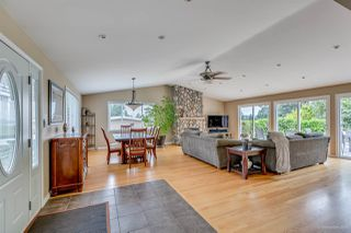 Photo 4: 384 WALKER Street in Coquitlam: Coquitlam West House for sale : MLS®# R2070341
