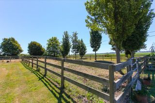 "Photo 2: 4827 28 Avenue in Delta: Ladner Rural House for sale in ""Ladner Rural"" (Ladner)  : MLS®# R2094552"