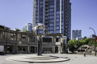 Photo 2: 1201 188 KEEFER Place in Vancouver: Downtown VW Condo for sale (Vancouver West)  : MLS®# R2110373