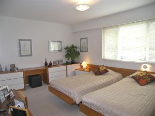 """Photo 10: 1011 PARKER Street: White Rock House for sale in """"White Rock"""" (South Surrey White Rock)  : MLS®# R2138589"""