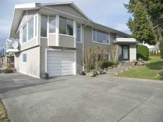 "Photo 1: 1011 PARKER Street: White Rock House for sale in ""White Rock"" (South Surrey White Rock)  : MLS®# R2138589"