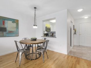 """Photo 9: 211 2105 W 42ND Avenue in Vancouver: Kerrisdale Condo for sale in """"THE BROWNSTONE"""" (Vancouver West)  : MLS®# R2151443"""