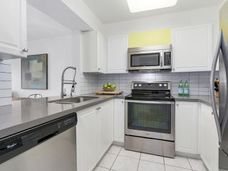 """Photo 12: 211 2105 W 42ND Avenue in Vancouver: Kerrisdale Condo for sale in """"THE BROWNSTONE"""" (Vancouver West)  : MLS®# R2151443"""