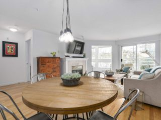 """Photo 10: 211 2105 W 42ND Avenue in Vancouver: Kerrisdale Condo for sale in """"THE BROWNSTONE"""" (Vancouver West)  : MLS®# R2151443"""