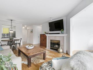 """Photo 2: 211 2105 W 42ND Avenue in Vancouver: Kerrisdale Condo for sale in """"THE BROWNSTONE"""" (Vancouver West)  : MLS®# R2151443"""