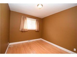 Photo 6: 381 Melbourne Avenue in Winnipeg: East Kildonan Residential for sale (3D)  : MLS®# 1708621