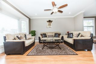 Photo 2: 9617 152B Street in Surrey: Guildford House for sale (North Surrey)  : MLS®# R2168626
