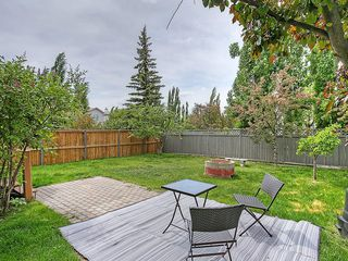 Photo 8: 78 DOUGLAS WOODS Gardens SE in Calgary: Douglasdale/Glen House for sale : MLS®# C4121688