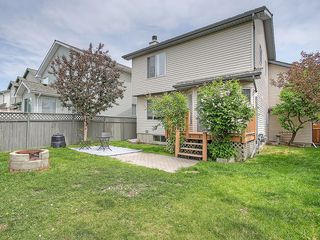 Photo 3: 78 DOUGLAS WOODS Gardens SE in Calgary: Douglasdale/Glen House for sale : MLS®# C4121688
