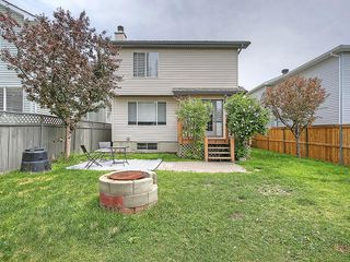 Photo 5: 78 DOUGLAS WOODS Gardens SE in Calgary: Douglasdale/Glen House for sale : MLS®# C4121688