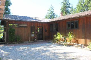 "Main Photo: 8175 WESTWOOD Road in Halfmoon Bay: Halfmn Bay Secret Cv Redroofs House for sale in ""WELCOME WOODS"" (Sunshine Coast)  : MLS®# R2180391"