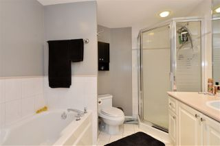 """Photo 8: 210 1575 BEST Street: White Rock Condo for sale in """"The Embassy"""" (South Surrey White Rock)  : MLS®# R2180368"""