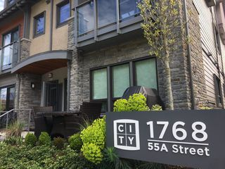 Photo 1: 314 1768 55A STREET in Tsawwassen: Tsawwassen Central Townhouse for sale : MLS®# R2159880