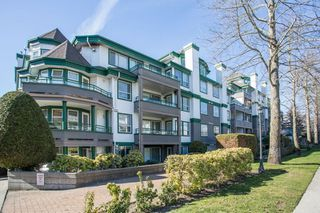 "Photo 2: 203 1575 BEST Street: White Rock Condo for sale in ""The Embassy"" (South Surrey White Rock)  : MLS®# R2249022"