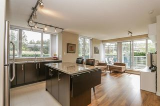 Photo 2: 301 651 NOOTKA Way in Port Moody: Home for sale : MLS®# R2107541